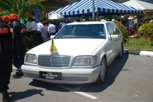 Sarawak's CM Taib Mahmud came in his official car-abuse of government facilities for party campaign?