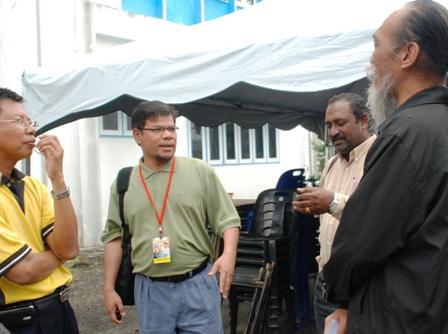 L to R: Rosli(Mafrel Penanti Coordinator, Saifuddin(PKR Election Director), Shankar(Malaysiakini) & Ong BK(Mafrel Northern Coordinator)